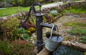 HandWaterPump